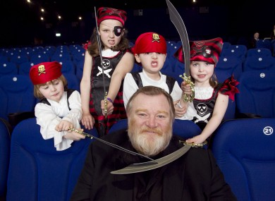 Brendan Gleeson with young pirates Jesse O Rourke (4),Eva Dunne (9), Sam Dunne (6) and Lucy Howard (6) from Jack and Jill Foundation in Dublin today.