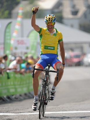 Baldo celebrates his victory.
