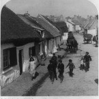 Cottages close to the sea in Claddagh, Galway, 1901. (Library of Congress, Prints & Photographs Division)