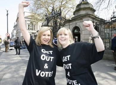 Students during a 'Get Out and Vote' campaign in 2009 (File photo)