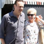 Michelle Williams and Jason Segal have reportedly broken up after a year together.  We liked them.  He was cute with her and her daughter Matilda.  Alas, it is no more.  YouTube/trtmuzik5