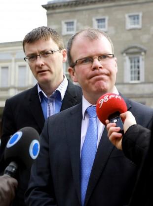 Peadar Tóibín (right)