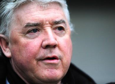 Joe Kinnear has criticised former Newcastle boss Alan Shearer.