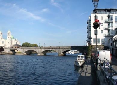 The main bridge over the River Shannon in Athlone (File photo)