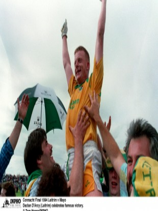 Declan Darcy captaining Leitrim in 1994.