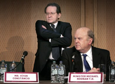 Vitor Constancio, the vice president of the ECB, with Finance Minister Michael Noonan.