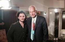Jon Snow (Channel 4) met Jon Snow (Game of Thrones)