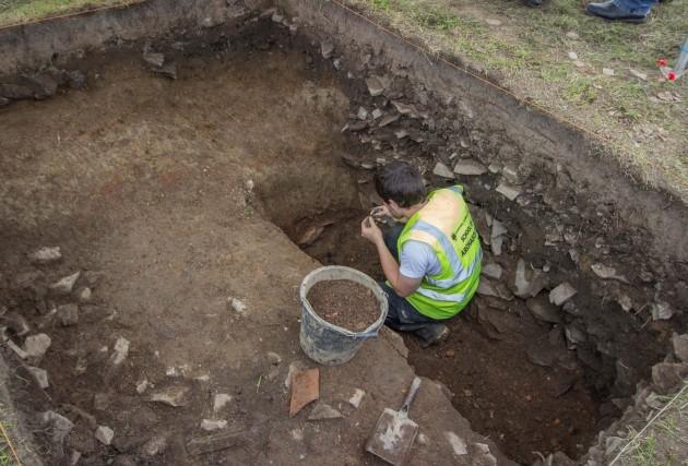 Tlachtga Image 6 Test Pit 2 under excavation Neil Jackman