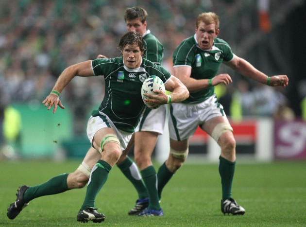 Simon Easterby supported by Ronan O'Gara and Paul O'Connell 21/9/2007