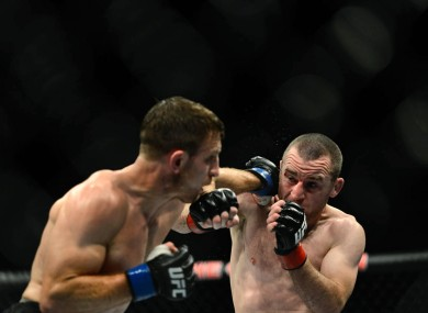 Seery (right) during his win over Phil Harris.