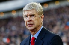 Wenger defends Arsenal players taking selfies