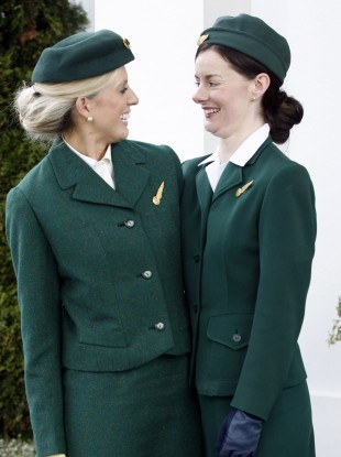 Aer Lingus cabin crew wear 1950s-era uniform in celebration of the airline's transatlantic anniversary.
