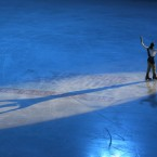 Jason Brown waves to the crowd as he is introduced after winning the men's free skate program at the US Figure Skating Championships in Greensboro, NC. (AP Photo/Chuck Burton)<span class=