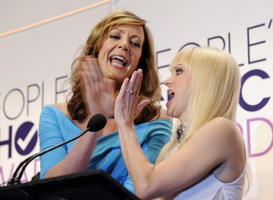 Allison Janney and Anna Faris from TV show Mom