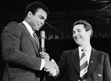 Outspoken football manager Brian Clough finally got to meet Muhammad Ali during the boxer's press conference in 1974.