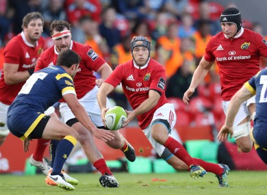 Munster's Duncan Williams sets to pass during tonight's match against Worcester Warriors.