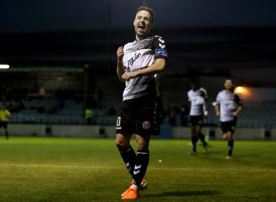 Keith Ward has signed on for another season at Dalymount Park.