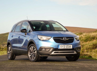review the opel crossland x combines the best of an suv with an mpv. Black Bedroom Furniture Sets. Home Design Ideas