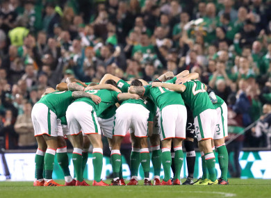 The Irish huddle before kick-off.