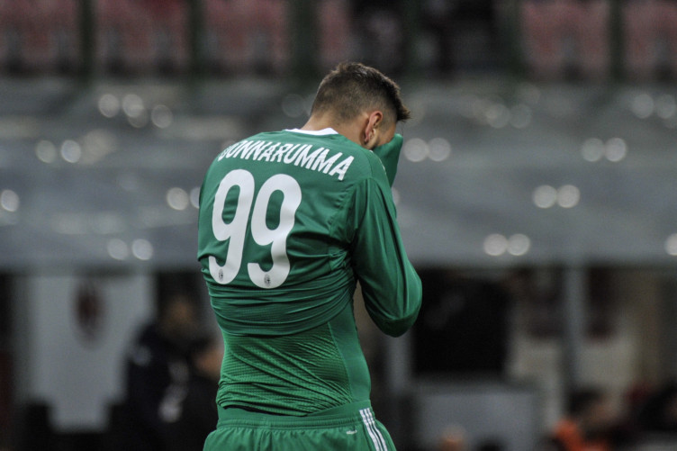 Abuse A Parasite Brother And A Teenager In Tears The War Between Gigi Donnarumma And Milan