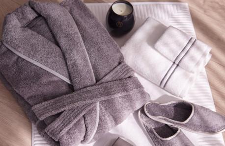 37f29825c8 Francis Brennan Luxury Hotel Robe €70