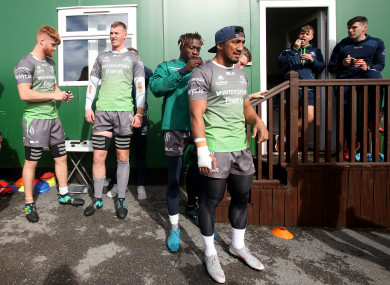 Niyi Adeolokun and Bundee Aki before training in Galway yesterday.