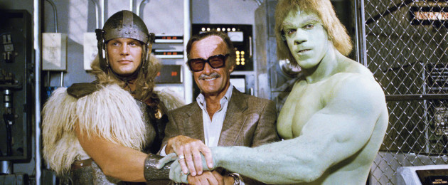 Stan Lee (centre) - posing with actors Eric Kramer and Lou Ferigno - who died today.