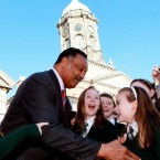 Civil rights leader the Reverend Jesse Jackson meets schoolchildren in Dublin as he visits Ireland to rally for social justice and equality. (PA Images/Julien Behal)