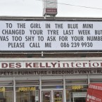 Des Kelly's shop bore a message from a lovelorn Good Samaritan this week... Image: Sasko Lazarov/Photocall Ireland (hat-tip to reader Daniel Dudek who also sent us a pic of the banner)