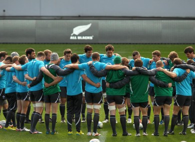 The Irish team huddle up in Auckland.