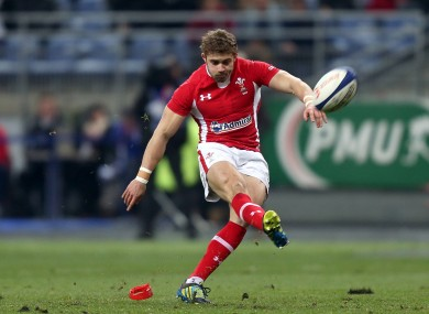Leigh Halfpenny slots over a penalty.
