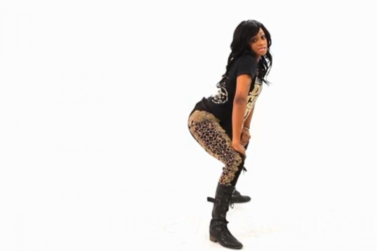 Black girls twerking in the club share