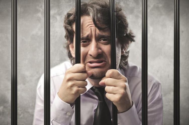 main-in-jail-sad-752x501.jpg