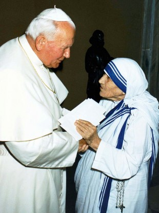 Pope John Paul II greeting Mother Teresa of Calcutta in 1997.