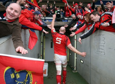 Paul O'Connell salutes the Munster fans after last year's quarter-final win over Harlequins.