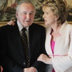 Reynolds with former Irish President May McAleese. <span class=
