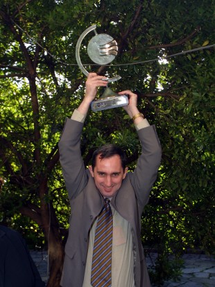 Jerry Kennelly after winning an exporter of the year award for Stockbyte in 2003