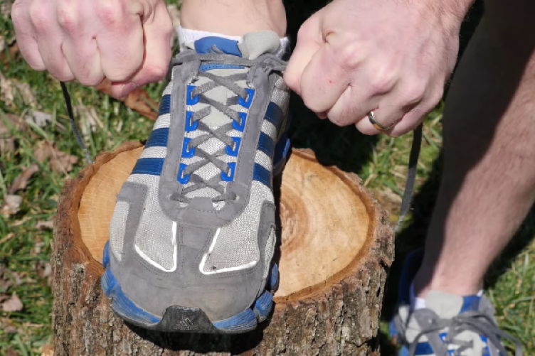 d0d92f460484 So THIS is what the extra shoelace hole in your runners is for