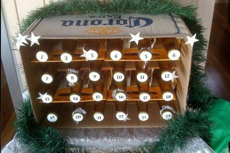 10 Ways To Diy Your Own Booze Filled Advent Calendar The Daily Edge