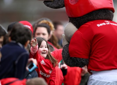 Munster mascot Oscar delighted the crowds at training this week.