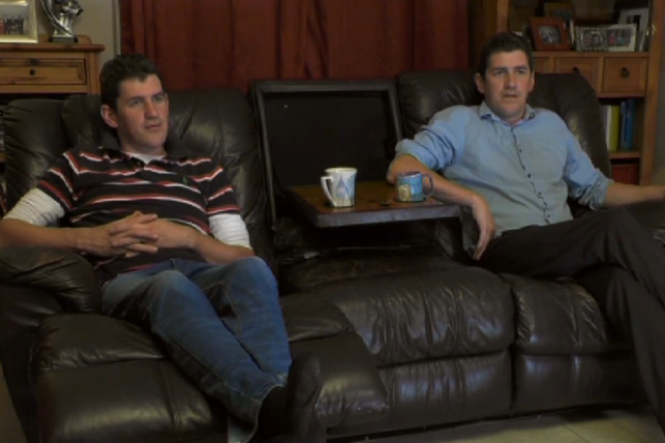 These Cavan twins (and their couch) were the stars of Gogglebox
