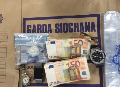 Jewelry and cash seized by gardaí in 2016.