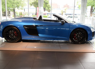 9cfb6fe14d The Audi R8 Spyder is a drop-top supercar that ll make the neighbours  envious