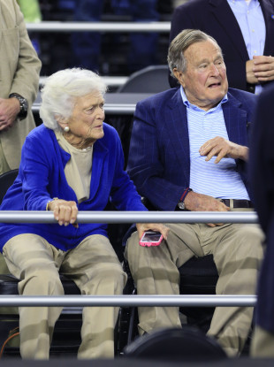 Barbara Bush with her husband, the former President, in 2015.