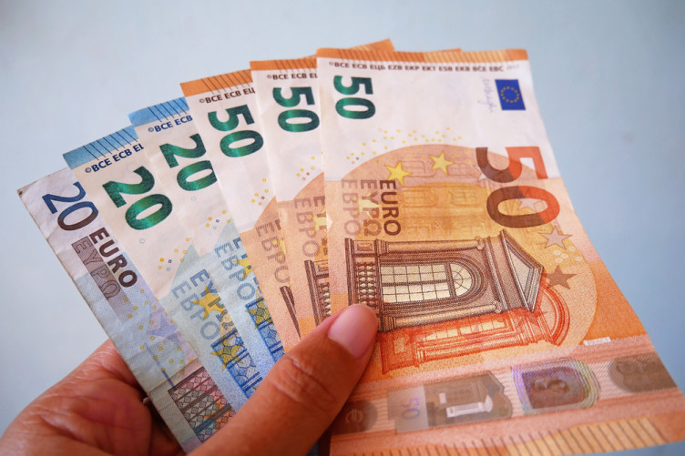 Poll: Do you consider a family which earns €100,000 to be