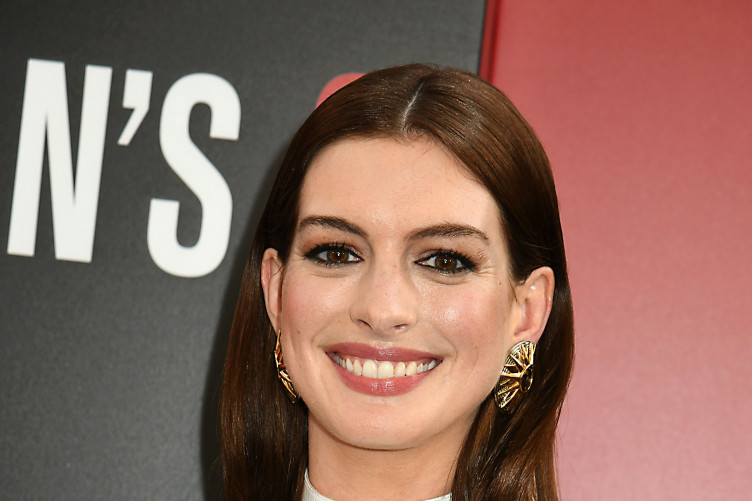 A conspiracy theory about Anne Hathaway, her husband and