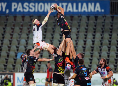 Jamie Hogdson of Edinburgh and Jacopo Bianchi of Zebre contest a line-out.
