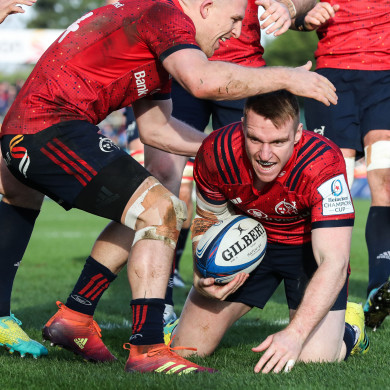 Rory Scannell gets over for a crucial try against Castres.