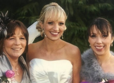 Clodagh Hawe (R) with her sister Jacqueline and mother Mary (L)
