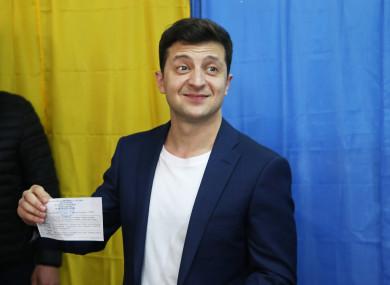 Volodymyr Zelensky casting his vote.